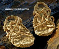 Les Sandàlies Nomadic és 100% vegà perquè no utilitza ni cuir ni llana en la seva elaboració,l'adhesiu utilitzat per enganxar les diferents peces de les sandàlies també és d'origen vegetal.