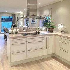 Bílá kuchyně Home Kitchens, Ikea, Kitchen Cabinets, Living Room, Interior Design, Bedroom, Jade, Home Decor, Living Room Ideas