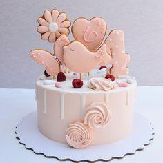 908 отметок «Нравится», 19 комментариев — Торты и десерты Туапсе (@lenichka8) в Instagram: «Нежный тортик для маленькой девочки)) 4 месяца, это тоже возраст, я вам скажуптичка у меня такая…»