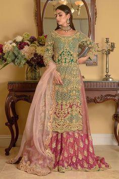Pakistani Fashion Party Wear, Pakistani Dresses Casual, Pakistani Dress Design, Indian Fashion, Formal Dresses, Asian Suits, Bridle Dress, Designer Party Wear Dresses, Types Of Dresses