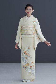 Yukata Kimono, Kimono Fabric, Japanese Outfits, Japanese Fashion, Japanese Lady, Japanese Costume, Japanese Kimono, Traditional Kimono, Traditional Dresses