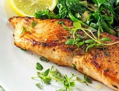 Salmon recipes are a great addition to our regular weeknight meals. These easy, hearty, and one dish fish meals that are packed full of flavor and can… Best Salmon Recipe, Easy Salmon Recipes, Fish Recipes, Seafood Recipes, Low Carb Recipes, Dinner Recipes, Healthy Recipes, Weeknight Meals, Easy Meals