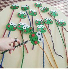 25 Children's day gifts ideas - Aluno On Felt Crafts, Diy And Crafts, Arts And Crafts, Paper Crafts, Fall Preschool, Preschool Activities, Diy Tumblr, School Displays, Pencil Toppers