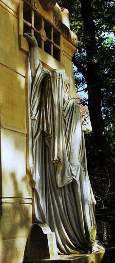 Pere-Lachaise Cemetery, Paris France