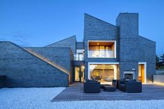 While many contemporary architects have shunned traditional brick materials in favor of flashy glass and steel, this ancient and reliable building method can...