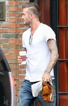 David Beckham in Skinny Jeans. David was wearing a pair of skinny jeans that seem to have been treated with some oil stains. Teen Boy Haircuts, Boys Long Hairstyles, Funky Hairstyles, Haircuts For Men, Short Haircuts, Haircut Men, Modern Haircuts, Formal Hairstyles, Wedding Hairstyles