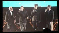 Dick Van Dyke y el coro Vantastix interpretan 'Me 'Ol Bamboo' en la Expo Disney D23 de 2011. Otra demostración de que este hombre es Dios, a sus más de 88 años de edad.