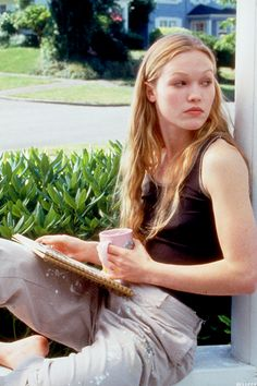 Julia Stiles as Kat in 10 Things I Hate About You