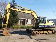 Komatsu Hydraulic Excavator Parts Manual Excavator Parts, Hydraulic Excavator, Construction Images, Heavy Equipment, Manual, Vehicle, Retro, Toys, Activity Toys