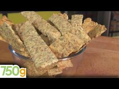 Κράκερς - YouTube Atkins, Dairy, Cheese, Healthy, Desserts, Food, Youtube, Sunflower Seeds, Parchment Paper Baking