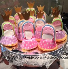 Kindertraktaties: Prinsesjes Kids Party Treats, Kids Party Decorations, Balloon Decorations, Birthday Candy, Barbie Birthday, Birthday Treats, Ben E Holly, School Treats, Festa Party
