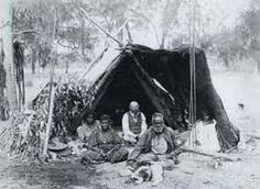 DAY 4 First we went to an information centre of the Aborigines. A guy called Simon told us how the Aborigines used to live a long time ago. We saw examples of tents made of small tress, tree bark and leaves. Tree Bark, Long Time Ago, Tents, Leaves, Guys, Blog, Teepees, Tent, Boys