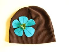 Recycled sweater hat..adorable! -- no directions , but probably could be done like the other hat that I have pinned.