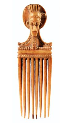 Africa | Hair comb from the Baule people of the Ivory Coast | Ivory