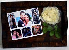 Bandeja de Casamento com Fotos Produto em mdf, PERSONALIZADAS, envelhecida, com flores desidratadas, convites de casamento, fotos e recoberta com vidro.