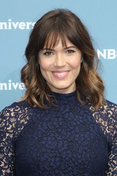 Mandy moores medium wavy hairstyle casual everyday summer mandy moore attends the fox network 2016 upfront presentation httpcelebs urmus Choice Image