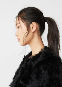 Fur leather coat | MANGO Awesome ponytail and long bangs
