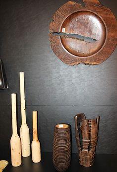 Pedro Petry é ecodesigner e utiliza madeira residual e certificada para a criação de objetos e móveis. www.pedropetry.com.br