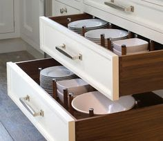 Kitchen Organization - keep plates and bowls in pull out drawer - no cabinets on top