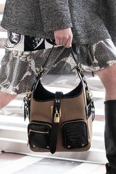 New Fashion, Womens Fashion, Fashion Trends, Paris Fashion, Classic Handbags, Best Bags, New Bag, Women's Accessories, Women Wear
