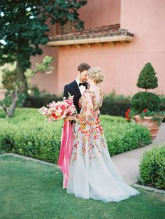 Colorful Marchesa wedding gown with pink editorial bridal bouquet Colored Wedding Dresses, Boho Wedding Dress, Floral Wedding, Wedding Colors, Wedding Gowns, Wedding Ceremony, Wedding Cakes, Pink Wedding Centerpieces, Traditional Wedding Dresses
