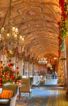 Christmastime at The Breakers in Palm Beach looks pretty darn nice…