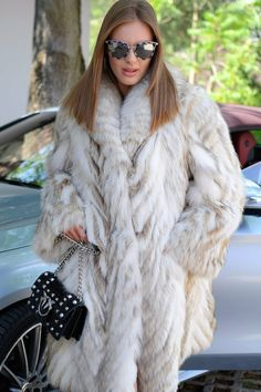 Fox Fur Jacket, Fox Fur Coat, Vest Jacket, Chinchilla Coat, Coat Outfit, Blue Vests, White Fur, Fur Fashion, Long Jackets