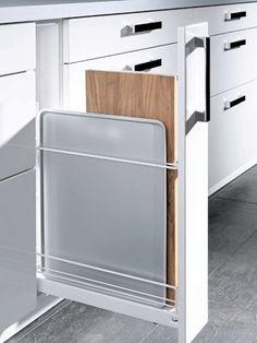 ge ffneter 20 cm breiter metod unterschrank mit ausziehbarer einrichtung in wei mit veddinge. Black Bedroom Furniture Sets. Home Design Ideas