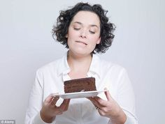 Think Yourself Thin 12 Mental Tricks to Beat Cravings and Lose Weight . when tempted to eat something that would derail your wt. WAIT for Ten Minutes. The craving will probably go away by then. THINK, Healthy Eating Habits, Healthy Living, Leptin Diet, No Sugar Diet, Lose Weight, Weight Loss, Ate Too Much, Mindful Eating, Balanced Diet