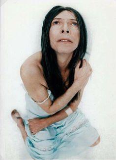 1.Outside character portraits, 1995 © John Scarisbrick