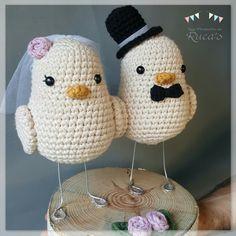 Los Productos de Rucas - Bride and groom birds - Spanish Crochet Birds, Easter Crochet, Knit Or Crochet, Cute Crochet, Crochet Animals, Crochet Hats, Crochet Amigurumi, Amigurumi Patterns, Crochet Dolls