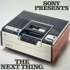 Vintage electronic Sony Betamax (1975) - www.remix-numerisation.fr - Rendez vos…