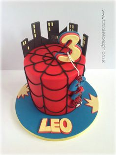 spiderman cake Más - Visit to grab an amazing super hero shirt now on sale Spiderman Birthday Cake, 4th Birthday Cakes, Superhero Cake, Spiderman Cake Topper, Birthday Ideas, Character Cakes, Novelty Cakes, Cakes For Boys, Love Cake
