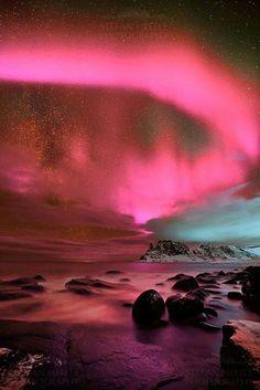 What a remarkable dark pink Aurora !