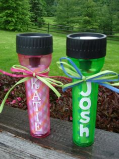 A great idea. Decorate flashlights to give to your kids as presents. It will look nice but also serve it& safety purpose! Boy Sleepover, Sleepover Birthday Parties, Pajama Party, Boy Birthday, Birthday Ideas, Camping Party Favors, Camping Parties, Fun Projects, Party Time