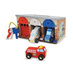 Lockable Garage kids wooden toy with Fire engine, Ambulance e and Police car.
