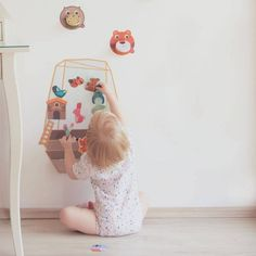 Oribels VertiPlay Wall Toys - Enchanted Garden brings about great development benefits for your little one while keeping him or her engaged!