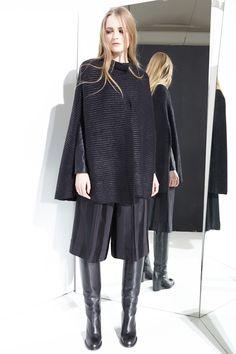 nude fashion style abbigliamento maglieria cape lamina knitwear bermuda ecoleather