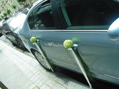 Floral Wedding, Wedding Colors, Just Married Car, Bridal Car, Wedding Car Decorations, Wedding Transportation, Wedding Arrangements, Wedding With Kids, Arte Floral