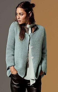 Jacket with large neckline (Diy Clothes Sweater) Ladies Cardigan Knitting Patterns, Crochet Cardigan Pattern, Knitting Patterns Free, Knit Crochet, Crochet Patterns, Crochet Clothes, Diy Clothes, Knit Fashion, Knitting Designs
