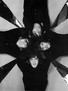 """The Beatles are a famous English band that originated in Liverpool, England. They became """"The Beatles"""" in 1960 and consisted of four very talented and incredibly influential musicians; John Lennon, Paul McCartney, George Harrison, and Ringo Starr. The Beatles 1, John Lennon Beatles, Beatles Photos, Liverpool, Ringo Starr, George Harrison, Paul Mccartney, Great Bands, Cool Bands"""