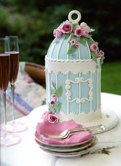 Blue and white birdhouse cake.