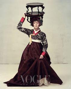 Hanbok: korean traditional clothes - vogue be Vogue Korea, Korean Traditional Dress, Traditional Dresses, Korean Dress, Korean Outfits, Ethnic Fashion, Asian Fashion, Modern Hanbok, Asian Style