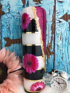 Cup Crafts, Diy Resin Crafts, Vinyl Tumblers, Custom Tumblers, Glitter Tumblr, Water Bottle Crafts, Glitter Cups, Tumbler Designs, Cup Design