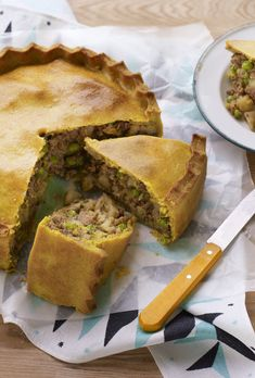 Get the best of a samosa and a picnic pie in one delicious recipe. Nadiya's samosa pie is great for party food or a picnic. Lamb Recipes, Pie Recipes, Indian Food Recipes, Cooking Recipes, Curry Recipes, Minced Beef Recipes, Welsh Recipes, African Recipes, Russian Recipes