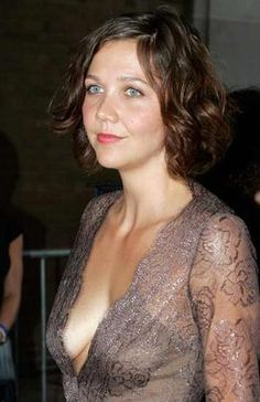 maggie gyllenhaal Soft Summer Color Palette, Cooler Style, Maggie Gyllenhaal, World Most Beautiful Woman, Female Stars, Celebs, Celebrities, Hollywood Actresses, Beautiful Actresses