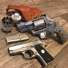 Love that @smithwessoncorp :: follow @acesandeightsleather for serious custom holsters Weekend!!!! #whatareyoucarrying #wheelgun #smithwesson #smithwesson627 #357magnum #357mag #357x8 #colt #coltmustang #coltmustangpocketlite #380acp #pocketgun #backupgun #concealedcarry #concealedweapon #concealedcarrynation #2a #edc #everydaycarry #ccw #pewpew #tacticallife ( # @rayms168 via @latermedia )