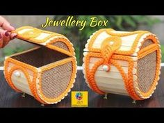 Coisas que Gosto: Jewellery Box made from Jute Rope and Popsicle Sticks Pop Stick Craft, Popsicle Stick Crafts House, Popsicle Sticks, Craft Stick Projects, Craft Stick Crafts, Kids Crafts, Craft Ideas, Jewellery Box Making, Jute Crafts