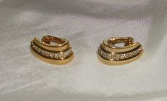 Vintage Gold Colored Clip On Earrings with by picsoflive on Etsy, $19.00 Clip On Earrings, Pearl Earrings, Vintage Jewelry, Cufflinks, Pearls, Gold, Etsy, Accessories, Vintage Jewellery