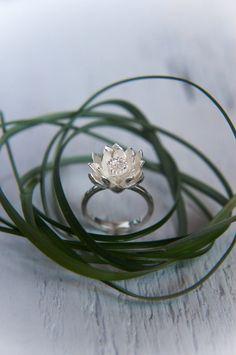 Lotus fleur bague de fiançailles - bague de promesse de bague - bague en argent - proposition - lotus bijoux - cadeau unique pour elle - romantique